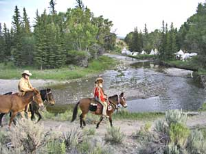 Rocky Mountain National Rendezvous horse riding photo